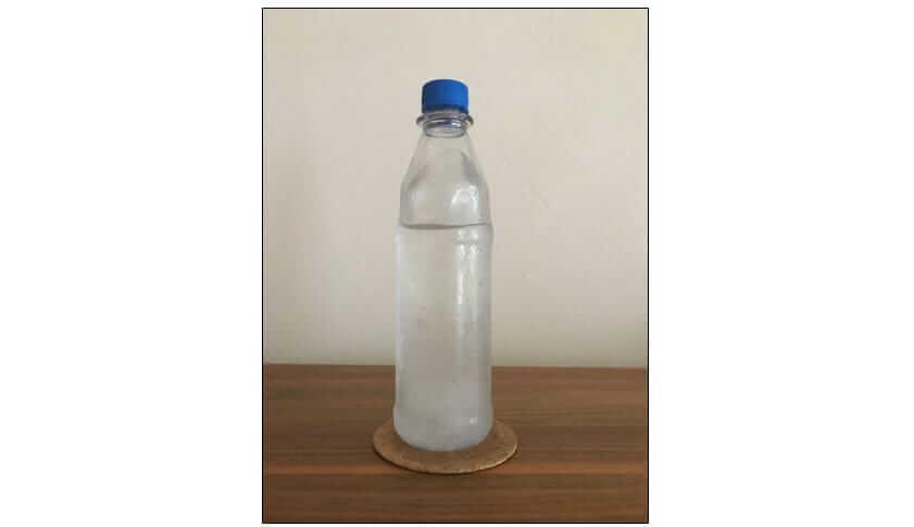 Kalte beschlagene Wasserflasche - I-O-K